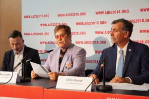 Элтон Джон: «Мы здесь, чтобы защитить ЛГБТ-сообщество Восточной Европы»